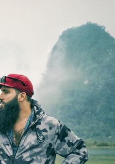 """Đạo diễn """"Kong: Đảo đầu lâu"""" đã phải lòng Việt Nam như thế nào?"""
