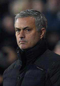 """Mourinho quyết """"nhổ tận gốc"""" di sản của Van Gaal tại Man Utd"""