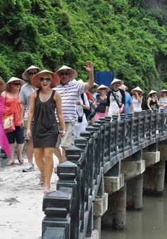Khách quốc tế đến Việt Nam năm 2017 tăng gần 30%