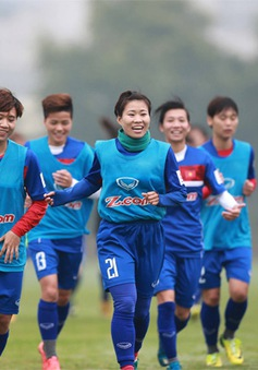 ĐT nữ Việt Nam tập buổi cuối trước trận ra quân tại Vòng loại Asian Cup 2018