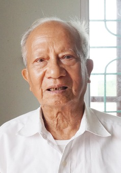 Cụ ông 85 tuổi say mê công tác khuyến học