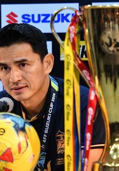 NÓNG: HLV Kiatisuk tuyên bố chia tay ĐT Thái Lan