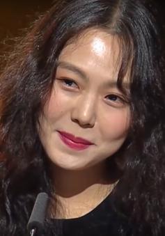 Mỹ nhân dính scandal giật chồng Kim Min Hee giành giải tại LHP quốc tế Berlin