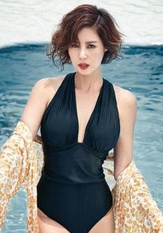 """Ở tuổi 50, cựu Hoa hậu Hàn Quốc vẫn khiến các cô gái phát """"hờn"""" với thân hình bốc lửa"""