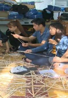 Sinh viên học kỹ năng sống từ các hoạt động trải nghiệm