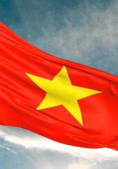 Trao tặng 3.000 lá cờ Tổ quốc cho ngư dân