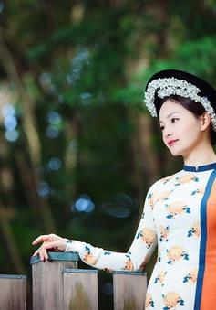 Lan Phương diện áo dài truyền thống khoe sắc tại Nhật Bản