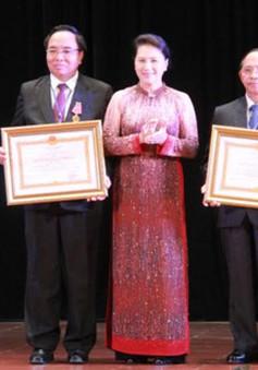 Trao tặng Huân chương của Chủ tịch nước cho các cá nhân của CHDCND Lào