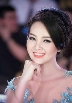 Á hậu Thụy Vân tiết lộ về mối tình đầu siêu lãng mạn trên sóng truyền hình