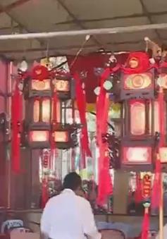 Không chen lấn, xô đẩy trong lễ hội chùa Bà Bình Dương