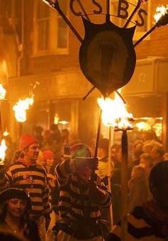 Lễ hội lửa Bonfire Night tại Anh