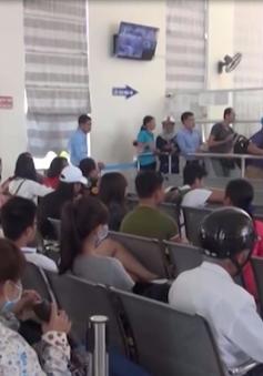 Quảng Ngãi: Biển động, hàng trăm người dân Lý Sơn chưa được về ăn Tết