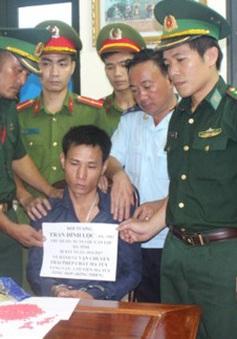 Bắt 2 vụ vận chuyển ma túy từ Lào về Việt Nam