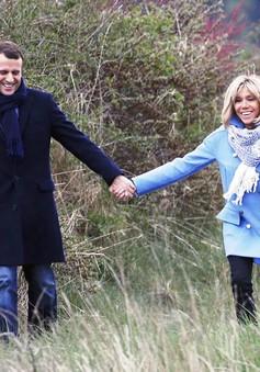 Chuyện tình lãng mạn của tân Tổng thống Pháp Emmanuel Macron