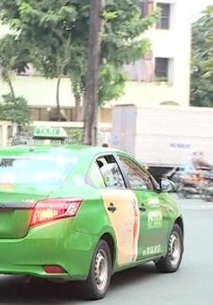 """Taxi truyền thống """"bắt tay"""" doanh nghiệp ngoại để cạnh tranh"""