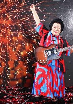 Cụ bà 81 tuổi chơi nhạc Rock