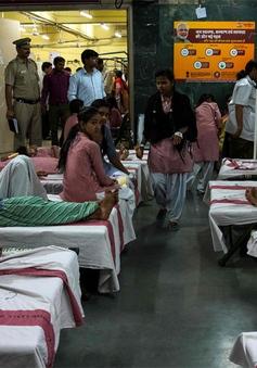 Ít nhất 50 học sinh Ấn Độ nhập viện do rò rỉ khí độc