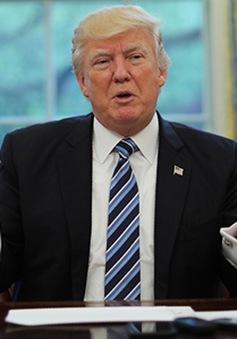 Nhà Trắng bảo vệ Tổng thống Trump sau bình luận về hỗn loạn ở Virginia