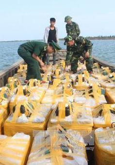 Quảng Ninh: Bắt 2 vụ vận chuyển ốc hương, tôm không rõ nguồn gốc