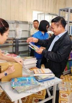 """Trao """"Tủ sách Đinh Hữu Dư"""" tặng học sinh vùng cao Yên Bái"""