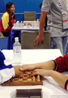 Nghị lực sống của cô sinh viên khiếm thị mê cờ vua