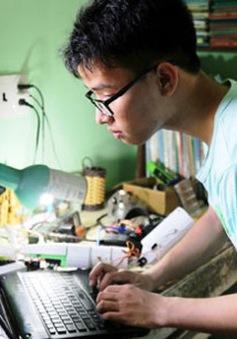 """Ước mơ giản dị của nam sinh chế tạo """"cánh tay robot"""""""