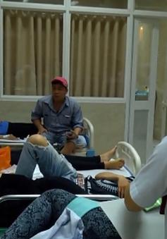Gần 100 người nhập viện trong đêm nghi do ngộ độc thực phẩm