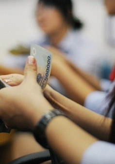 Hàng trăm tỷ đồng được gửi tiết kiệm trong ngày làm việc đầu tiên sau Tết