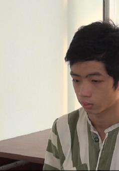 An Giang: Thanh niên ngáo đá cầm dao chặn xe nhiều người