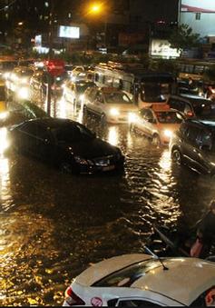 Người dân TP.HCM bức xúc vì tình trạng ngập ở nơi chống ngập