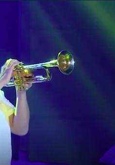 Nghệ sĩ trumpet gốc Việt đạt giải Grammy trở về Việt Nam