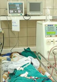 Thêm một ca ngộ độc rượu phải nhập Bệnh viện Bạch Mai