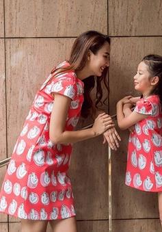 Hoa hậu Du lịch Ngọc Diễm rạng rỡ bên con gái yêu