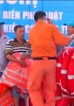 Hỗ trợ kỹ năng xử lý tình huống tai nạn trên biển cho ngư dân