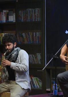 Thưởng thức nhạc Jazz khơi gợi mà ấm áp từ SamRaz