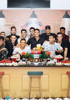 """Tiệc sinh nhật """"sao bự"""" PSG vắng bóng Cavani"""