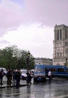 Vụ tấn công ngoài nhà thờ Notre-Dame, Pháp: Thủ phạm tự nhận là chiến binh IS