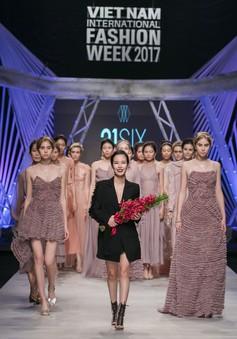 Thêm một thế giới thần tiên trên sàn catwalk Tuần lễ thời trang quốc tế Việt Nam Thu - Đông 2017
