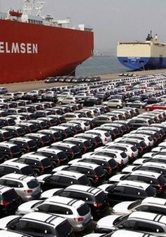 Ô tô con nhập về Việt Nam tăng cao kỷ lục