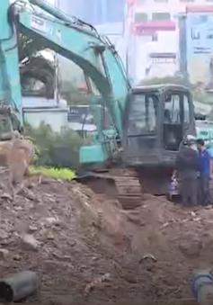 Hà Nội khắc phục sự cố thi công đào đường làm vỡ đường ống