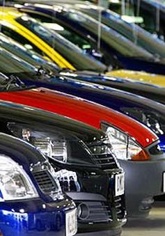 Doanh số bán ô tô tháng 9 tiếp tục giảm mạnh