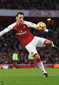 Arsenal nên buông bỏ 5 ngôi sao công thần ngay trong năm 2019