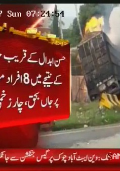 Xe tải đâm ống dẫn khí ở Pakistan, ít nhất 13 người thiệt mạng