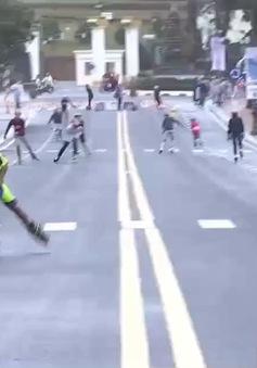 Đua patin nghệ thuật thu hút giới trẻ tại Festival Hoa Đà Lạt