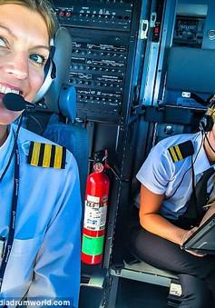 Khoảnh khắc selfie của phi công hút cả triệu like trên mạng xã hội