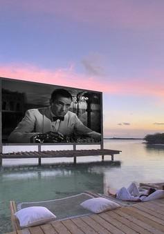 Xem phim, ăn tối giữa mênh mông biển trời Maldives