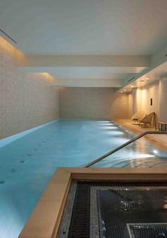 Bể bơi, phòng gym, xông hơi trong căn hộ siêu sang của Guardiola