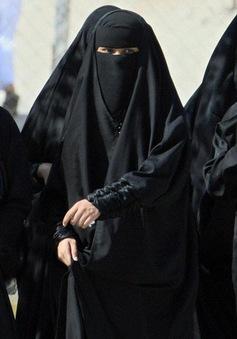 Saudi Arabia lần đầu tiên cho phép phụ nữ vào sân vận động