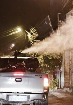 Hà Nội tiếp tục phun thuốc diệt muỗi diện rộng