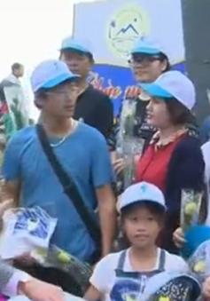 Đoàn khách đầu tiên đến với Phú Yên ngày đầu năm mới